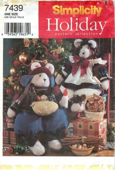 """Simplicity Holliday Pattern Collection 7439 Sewing Pattern for 25"""" & 28"""" Winter Bears by CarlasHope on Etsy"""