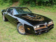 1977 Pontiac Trans Am driven by Burt Reynolds in Smoky and the Bandit  Like if this car looks familiar. Comment if you know its name! Re-pin if you've seen the movie!