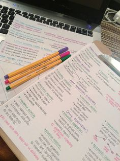 Discover recipes, home ideas, style inspiration and other ideas to try. School Organization Notes, Study Organization, School Notes, Study Pictures, Pretty Notes, School Study Tips, Work Motivation, Study Help, Lettering Tutorial