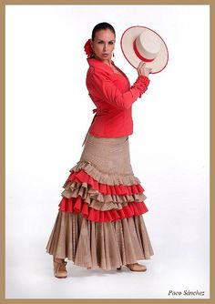What a unique ruffle placement in this flamenco skirt for garrotin. Photo: Paco Sanchez