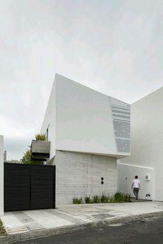 Plataforma Arquitectura | Ten House / Taller ADC