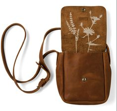Keecie Picking Flowers Small, cognac used look leather bags