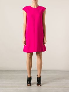 SAINT LAURENT Vestido rosa R$ 7.040,00R$ 4.928,00 12 x R$ 410,67  http://ad.zanox.com/ppc/?30691238C18628954&ULP=[[http://www.farfetch.com/br/shopping/women/saint-laurent-vestido-rosa-item-10572694.aspx?storeid=9178&ffref=lp_201_&utm_source=zanox&utm_medium=Display&utm_campaign=custom_deeplink]]