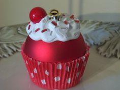 este es muy especial, cupcake bola de navidad