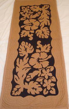 Hawaiian quilt table runner 100% hand quilted/hand appliqued Hawaiiana: Home & Kitchen - Amazon
