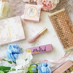 Too Faced love! Some of my favourite Too Faced makeup! Beauty Stuff, My Beauty, Makeup Items, Too Faced Makeup, Queen B, Gift Wrapping, My Favorite Things, Gift Wrapping Paper, Gift Packaging