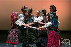 Fotó: Majnik Zsolt Sari, Dresses, Fashion, Saree, Vestidos, Moda, Fashion Styles, Dress, Fashion Illustrations