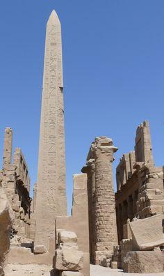 Obelisco de Tutmosis I en Karnak.