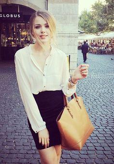 Kristina Bazan 18 nổi danh vì mê thời trang