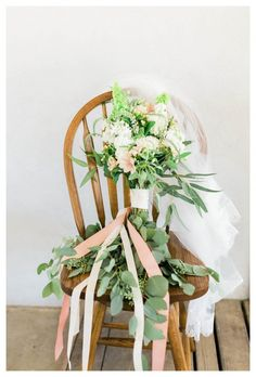 erica houck photography beautiful long bouquet wedding details bohemian flowers ribbon veil