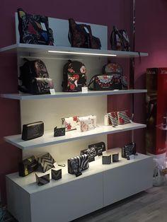 ACCESSORI E BEAUTY Shoe Rack, Beauty, Home, Beleza, House, Shoe Closet, Ad Home, Homes, Haus