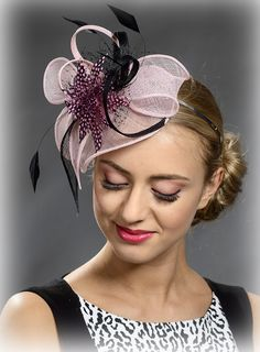 Items similar to Pink and black wedding fascinator hat for your special occasions on Etsy White Fascinator, Fascinator Headband, Flapper Headpiece, Wedding Fascinators, Wedding Hats, Sombreros Fascinator, Fall Hats, Organza, Millinery Hats