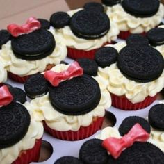 Minnie mouse cupcakes <3