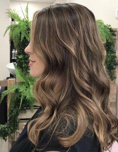 Brown Hair Balayage, Brown Blonde Hair, Hair Color Balayage, Hair Highlights, Brown Hair Natural Highlights, Balyage Long Hair, Sun Kissed Highlights, Hair Colour, Sunkissed Hair Brunette