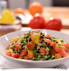 Σαλάτα με μαυρομάτικα, πορτοκάλι, αγγούρι και αρακά Salsa, Mexican, Ethnic Recipes, Food, Gourmet, Essen, Salsa Music, Meals, Yemek