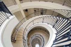 Beautiful curved staircases in texas | Luxury Stairs Gallery