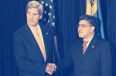 Secretario de los EEUU Jhonn Kerry se reunió con Canciller de Venezuela Elías Jaua, hablaron hasta de reponer Embajadores.