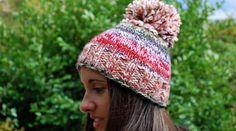 45 cadeaux de Noël à faire soi-même • Hellocoton Crochet Christmas Hats, Knitted Hats, Crochet Hats, Needles Sizes, Knitting Projects, Winter Hats, Stitch, Pattern, Bonnets