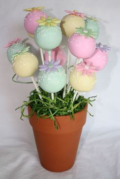 Cake Pop Pastel Bouquet on Cake Central - Süßigkeiten Cake Pop Bouquet, Bouquet Pastel, Flower Cake Pops, Bouquet Flowers, Bouquets, Easter Cake Pops, Birthday Cake Pops, Mini Cakes, Cupcake Cakes