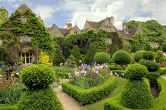 Cottage in The Cotswolds. but where exactly??