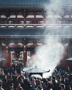 #浅草寺 by Takashi Yasui