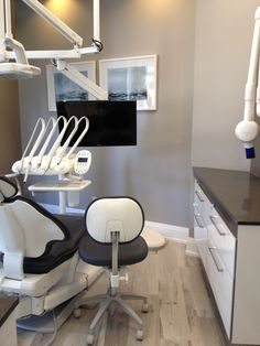 Dental Office Operatory Harbour Dental Centre, Toronto Julie Chapman Design