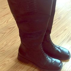 Black Partial Zip Boot-Open to Trades! Very Cool Black Boot, not real leather, never worn. Shoes Heels Boots, Heeled Boots, Fashion Tips, Fashion Trends, Fashion Design, Real Leather, Black Boots, Zip, Outfits