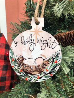 Ornamento de la Natividad O Noche Santa Ornamento de escena | Etsy Diy Nativity, Nativity Ornaments, Wooden Christmas Ornaments, Painted Ornaments, Christmas Nativity, Christmas Wood, Christmas Decorations, Nativity Scenes, Felt Ornaments