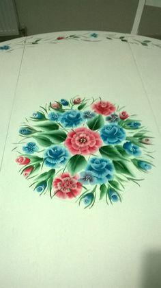 Yeni boyadığum ve #one #stroke desen #mutfak #masa sı #ahşap #boyama #el #emekleri