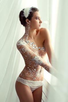 laced body (via Bella Donna @Jane potter 44897374132)