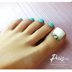 Toe nail art will attract much attention to your feet. Use these wonderful nail art ideas and your creativity to get the perfect result. Toenail Polish Designs, Pedicure Designs, Pedicure Nail Art, Toe Nail Designs, Toe Nail Art, Bright Toe Nails, Pretty Toe Nails, Gorgeous Nails, Cute Nails