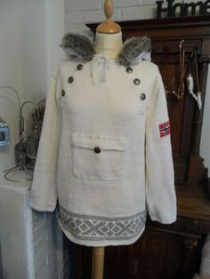 Pattern adult The Norwegian anorak English ID by SiSiVeAS Knitting Patterns Free, Free Knitting, Fair Isle Knitting, Knitting Accessories, Sweater Jacket, Canada Goose Jackets, Chef Jackets, Knit Crochet, Nepal