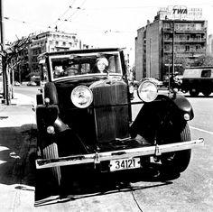 ΕΝΑΣ ΙΠΠΟΤΗΣ ΓΙΑ ΤΗ ΒΑΣΟΥΛΑ Antique Cars, Monster Trucks, Antiques, Vehicles, Vintage Cars, Antiquities, Antique, Car, Old Stuff