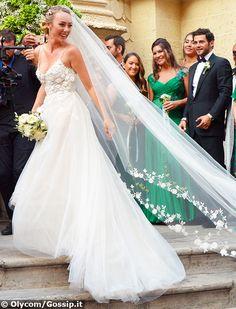 Cristel Carrisi e Davor Luksic si sono sposati sabato 3 settembre a Lecce. Dopo…