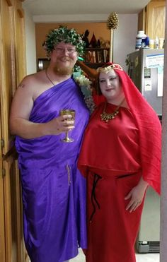 Dionysus and Oracle of Delphi costumes Toga Party Costume, Greek God Costume, Oracle Of Delphi, Dionysus, Greek Gods, Halloween 2020, Sari, Costumes, Projects