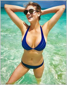 Popoholic  » Blog Archive   » Kate Upton Busts Out Her Ginormous Bikini Cleavage… WOW!