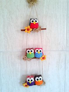Material: Tecido algodao fibra para enchimento pau de canela Altura do mobile Owl Crafts, Diy Home Crafts, Diy Arts And Crafts, Craft Stick Crafts, Clay Crafts, Crafts For Kids, Hobbies And Crafts, Fabric Crafts, Paper Crafts