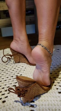 Beautiful Toes, Beautiful High Heels, Feet Soles, Women's Feet, Actress Feet, Girl Soles, Brian Atwood Shoes, Pantyhose Heels, Sexy Legs And Heels