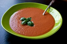 This puréed tomato soup is much like gazpacho, but without bread. And this soup is strained, so it has a different, lighter texture and an intense, concentrated tomato flavor that is extremely refreshing. (Photo: Andrew Scrivani for The New York Times) Tomato Rice Soup, Tomato Soup Recipes, Blender Soup, Blender Recipes, Vitamix Recipes, Juice Recipes, Yummy Recipes, Vegetarian Recipes, Summer Tomato