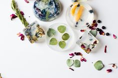DIY: Herb   Spice Homemade Glycerin Soap for the Holidays | http://helloglow.co/diy-herb-spice-homemade-glycerin-soap/