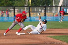 Diez #dichos #cubanos salidos del #béisbol http://www.cubanos.guru/diez-dichos-cubanos-salidos-del-beisbol/