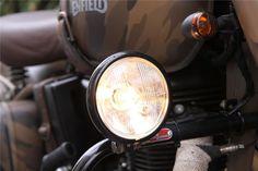 Voici quelque exemples de préparations Royal Enfield. - Royal Enfield Classic Despatch Bullet Modified, Royal Enfield Classic 350cc, Bullet Bike Royal Enfield, Royal Enfield Modified, Roadster, Led Headlights, Buy Shoes, Voici, Shoes Online