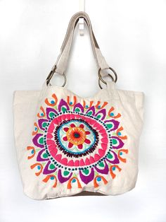 Imagen relacionada Embroidery Purse, Ethnic Bag, Potli Bags, Painted Bags, Diy Tote Bag, Art Bag, Boho Bags, Craft Bags, Jute Bags