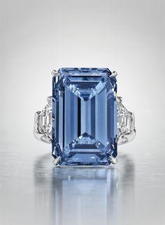 Diamante lapidado mais caro do mundo é leiloado por R$ 205 milhões