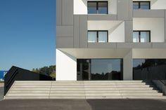 Office building renovation in Belgium. Abscis Architecten. EQUITONE facade materials. equitone.com