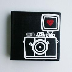 Camera Painting on Mini Canvas Cute Canvas Paintings, Small Canvas Art, Mini Canvas Art, Diy Canvas, Easy Paintings, Wall Canvas, Original Paintings, Canvas Crafts, Canvas Ideas