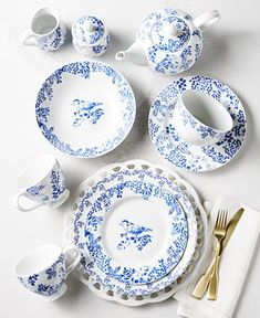 This particular dinnerware mix and match is the most inspiring and wonderful idea White Dinnerware, Porcelain Dinnerware, Farmhouse Dinnerware Sets, Laura Ashley, Yellow Comforter Set, Comforter Sets, Next Garden, Fine Linens, Shopping