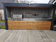 Kompakte aussenküche | Grillforum und BBQ - www.grillsportverein.de Outdoor Bbq Kitchen, Outdoor Kitchen Design, Small Backyard Pools, Backyard Landscaping, Backyard Fences, Fence Design, Garden Design, Indoor Garden, Outdoor Gardens
