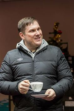 Marc Wootton as Kevin Needleman