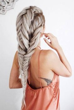 Running out of fresh ideas of cute hairstyles for long hair? Check out our photo gallery of everyday cute and sassy styles for girls with longer hair! Pretty Hairstyles, Braided Hairstyles, Kid Hairstyles, Natural Hairstyles, Wedding Hairstyles, Coiffure Hair, Tape In Hair Extensions, Pinterest Hair, Silver Hair
